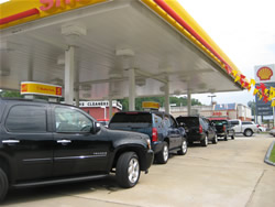 Vehicles Lined up for 85 cent E85